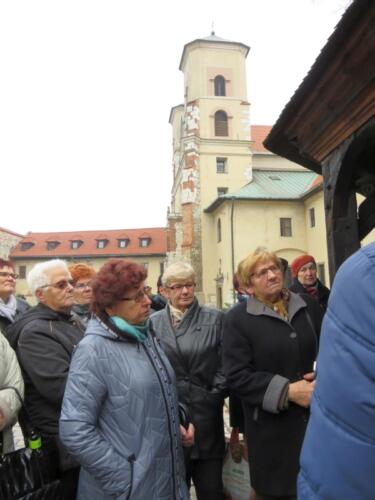 """Wycieczka do  Opactwa Benedyktynów w Tyńcu oraz do Teatru Bagatela w Krakowie na sztukę """"Mayday""""  009"""