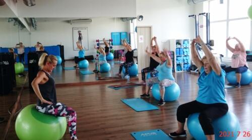 """Zajęcia Fitness """"Zdrowy kręgosłup, zdrowe stawy"""" Lipiec 2021"""